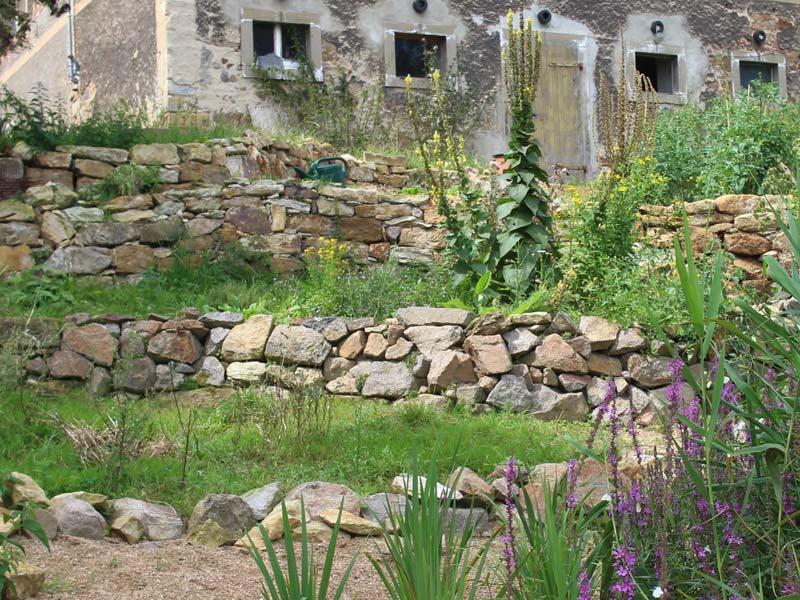 Trockenmauer auf dem Eschenhof in Kettewitz (Foto © Jennifer Burghoff)